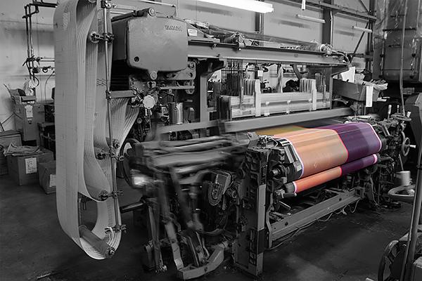 播州織工場の様子