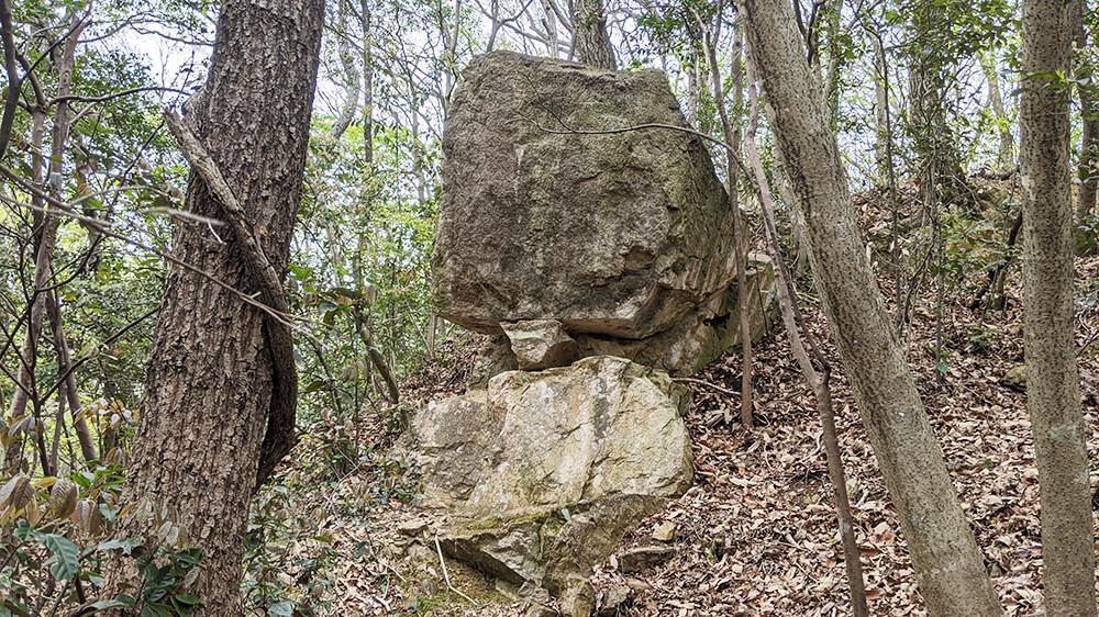 弁慶の重ね石2